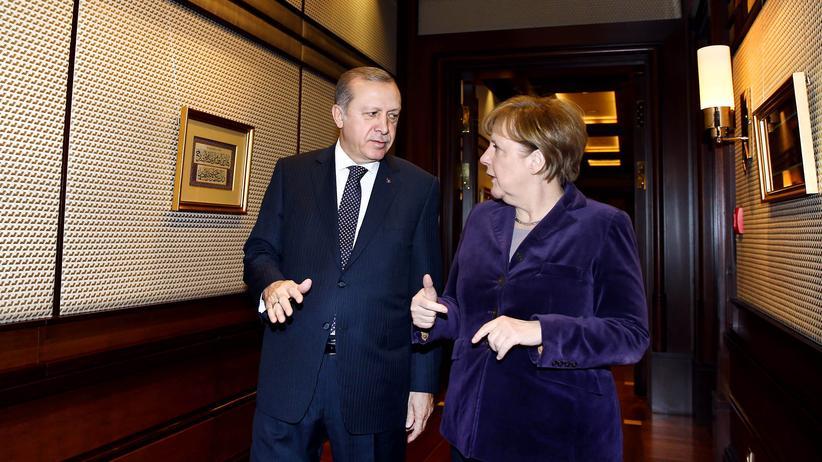 Türkei: Der türkische Präsident Recep Tayyip Erdoğan und Bundeskanzlerin Angela Merkel bei einem Treffen in Ankara am 8. Februar