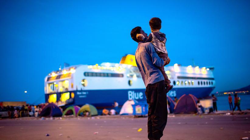 Asylpolitik: Flüchtlinge am Hafen von Lesbos.