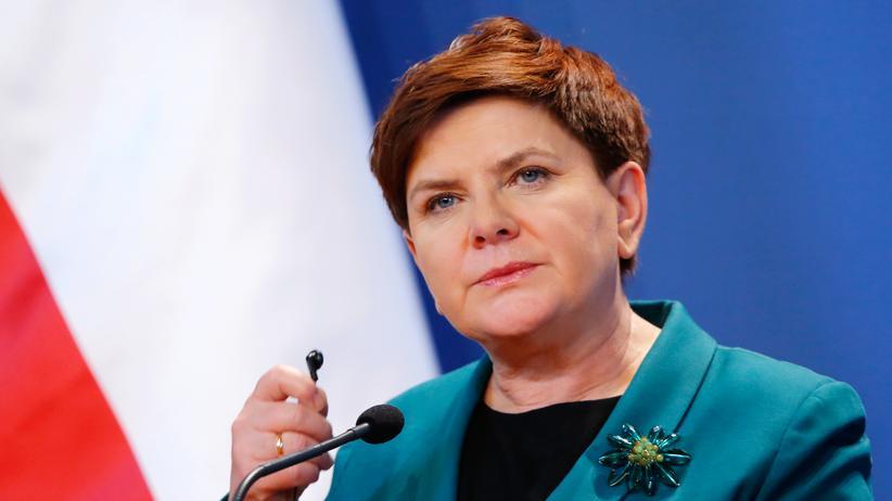 Polen: Die Ministerpräsidentin von Polen, Beata Szydło, spricht sich für ein fast vollständiges Abtreibungsverbot aus.