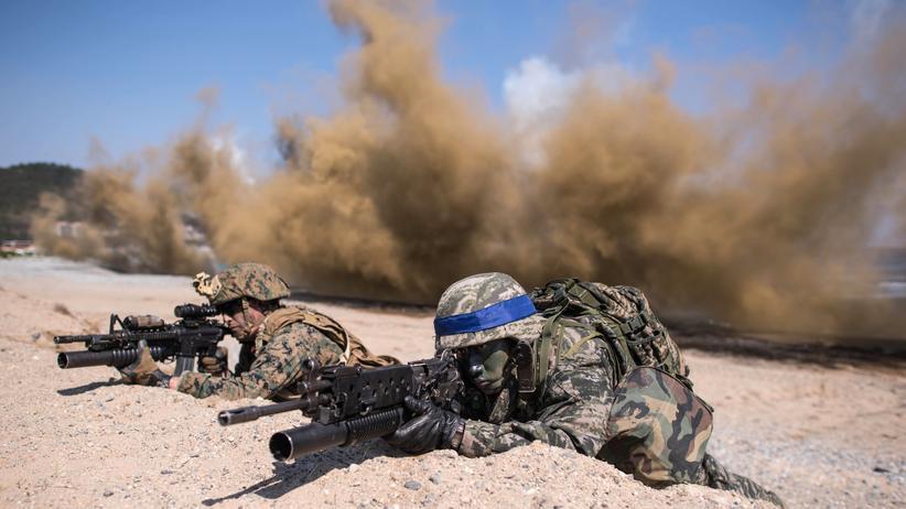 Miltärmanöver: Südkoreanische und amerikanische Soldaten bei der Militärübung an der südkoreanischen Küste