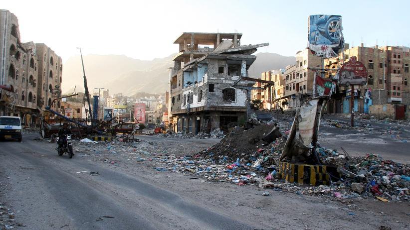 Luftangriff: Die kriegszerstörte Stadt Tais im Jemen (Archiv)