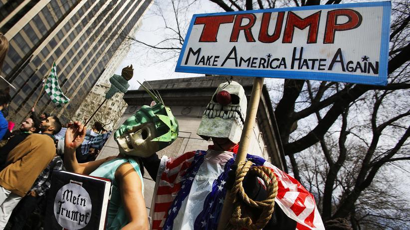 US-Präsidentschaftswahl: Straßenproteste: Demonstration gegen Donald Trump in New York