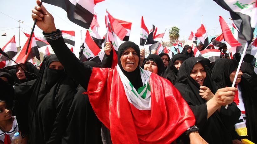 Anhänger der Sadr-Bewegung in Bagdad (Archiv)