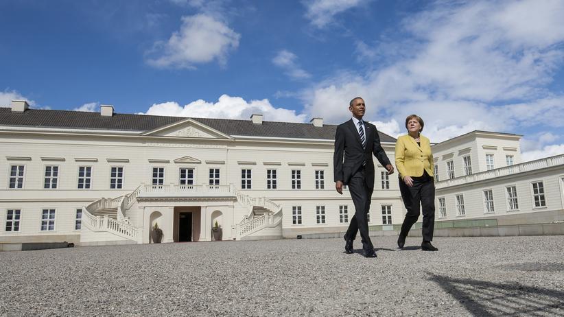 Barack Obama und Angela Merkel vor dem Schloss Herrenhausen in Hannover