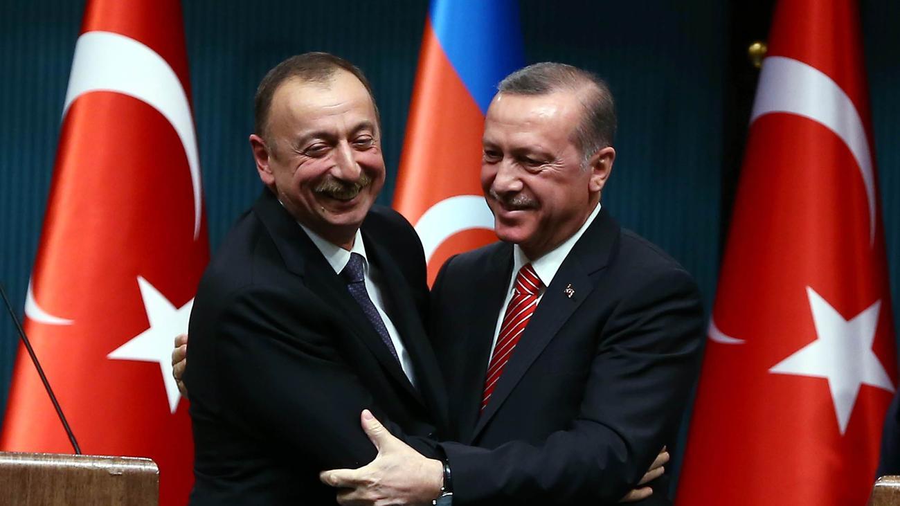 Berg Karabach Turkei Sichert Aserbaidschan Unterstutzung Zu Zeit Online