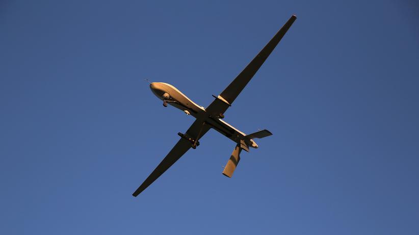 Waffen: Eine U.S.-Air-Force-Drohne, bestückt mit einer Hellfire-Rakete