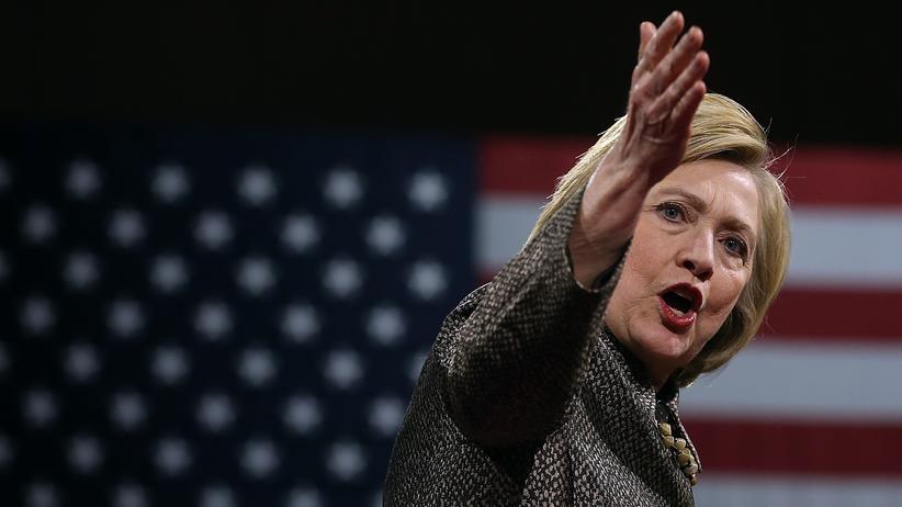 Hillary Clinton: Die Falkin