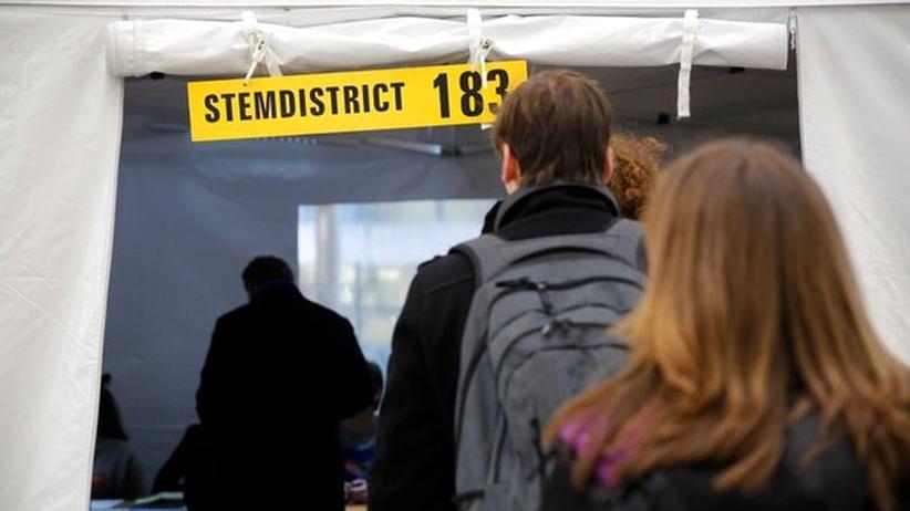Nach dem Niederlande-Referendum kritisieren EU-Politiker Volksabstimmungen in der EU.