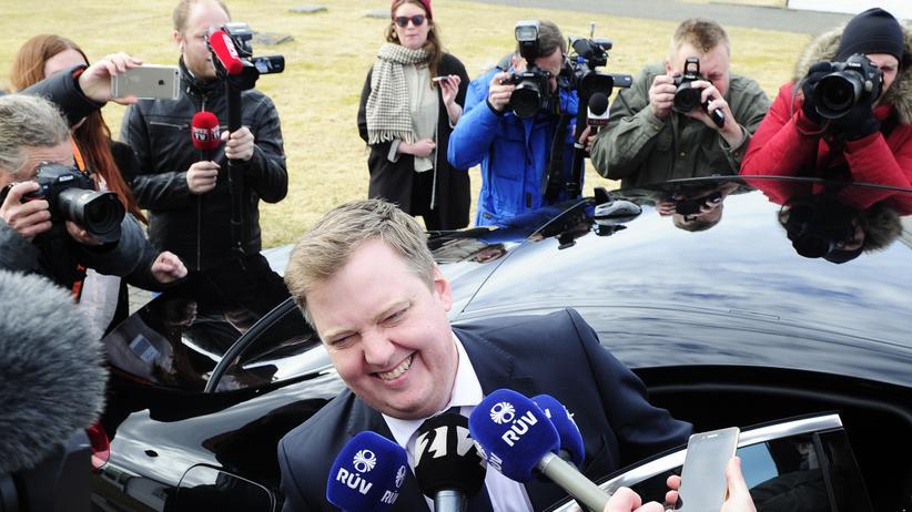 Sigmundur Davíð Gunnlaugsson: Islands Premier Gunnlaugsson vor seinem Amtssitz in Reykjavik