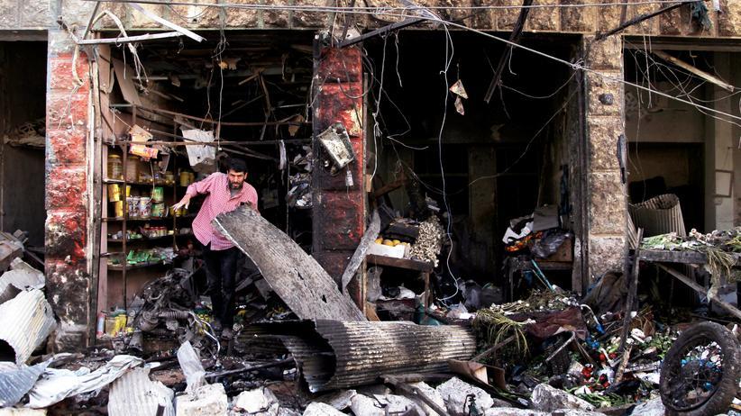 Nach Luftangriff zerstörter Markt in Maraat al-Numan
