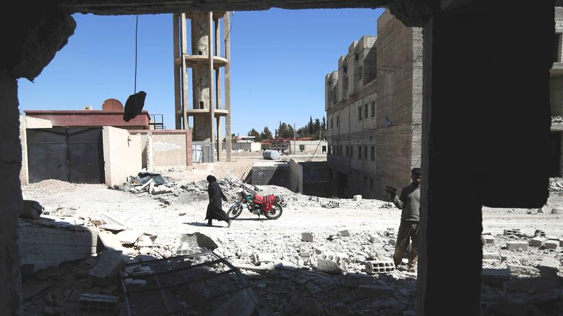 Waffenruhe: Ein von Luftangriffen schwer beschädigtes Gebäude in Deir al-Asafir, einem Randbezirk von Damaskus (Bild vom 31. März)