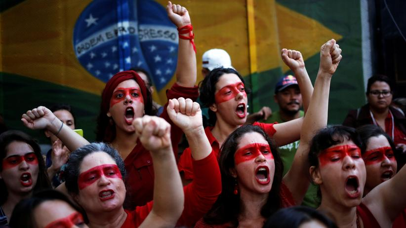 Brasilien: Proteste gegen Brasiliens Übergangsregierung in São Paulo