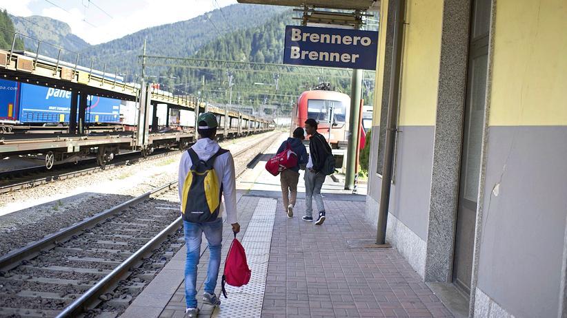 Flüchtlinge: Österreich verzichtet auf Grenzkontrollen am Brenner