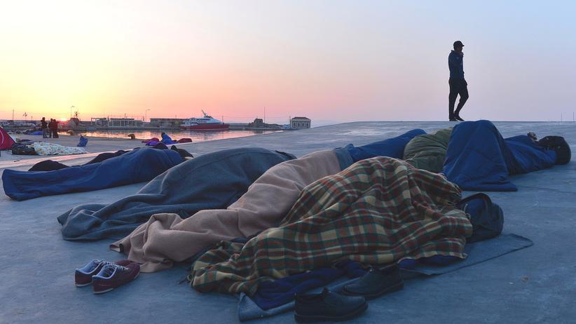 Griechenland: Hunderte Flüchtlinge warten auf der griechischen Insel Chios auf die Entscheidung über ihren Asylantrag.