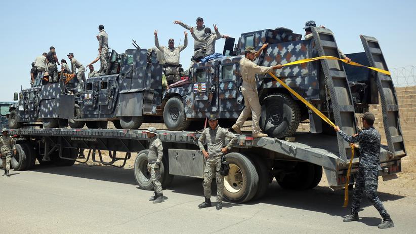 """""""Islamischer Staat"""" : Irakische Sicherheitskräfte nahe der Stadt Falludscha, die vom IS besetzt wird"""