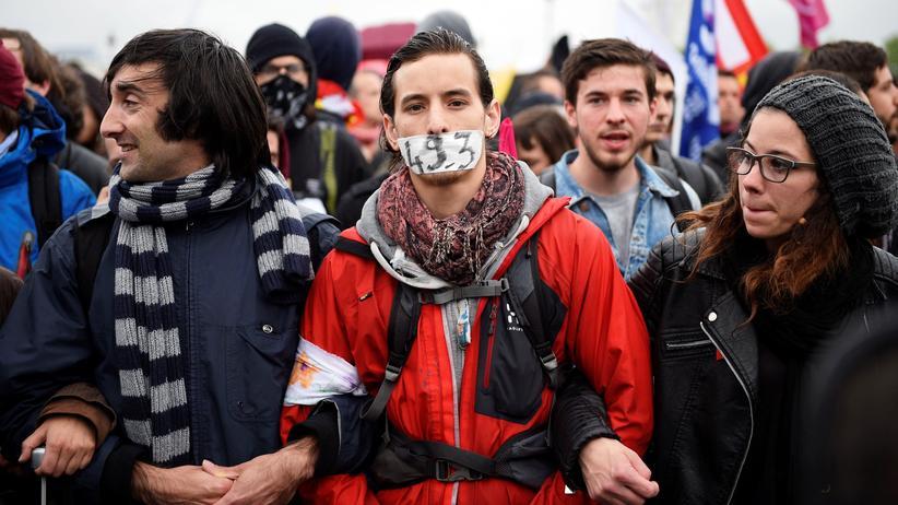 Frankreich: Vor allem junge Leute demonstrieren gegen die Arbeitsmarktreform der französischen Regierung.