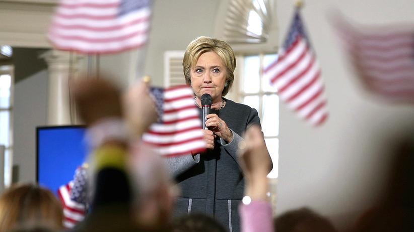 Hillary Clinton: Wo sie auch ist, irgendwer wird die E-Mail-Affäre garantiert zum Thema machen: Hillary Clinton
