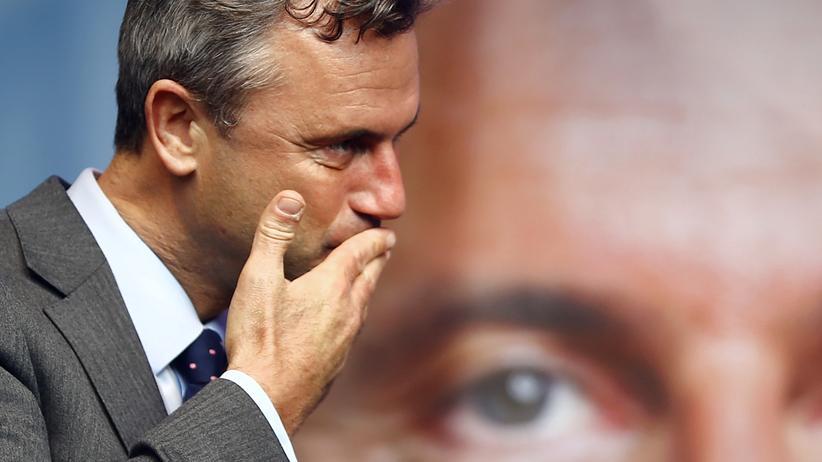 Norbert Hofer: FPÖ-Kandidat Norbert Hofer während seiner letzten Ansprache vor der Wahl in Wien