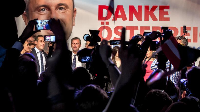 Präsidentschaftswahl: Erst weit vorn, dann knapp hinten: der Präsidentschaftskandidat der FPÖ, Norbert Hofer, am Wahlabend
