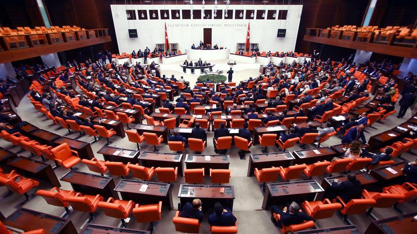 Türkei: Immunität wird im Probe-Voting aufgehoben