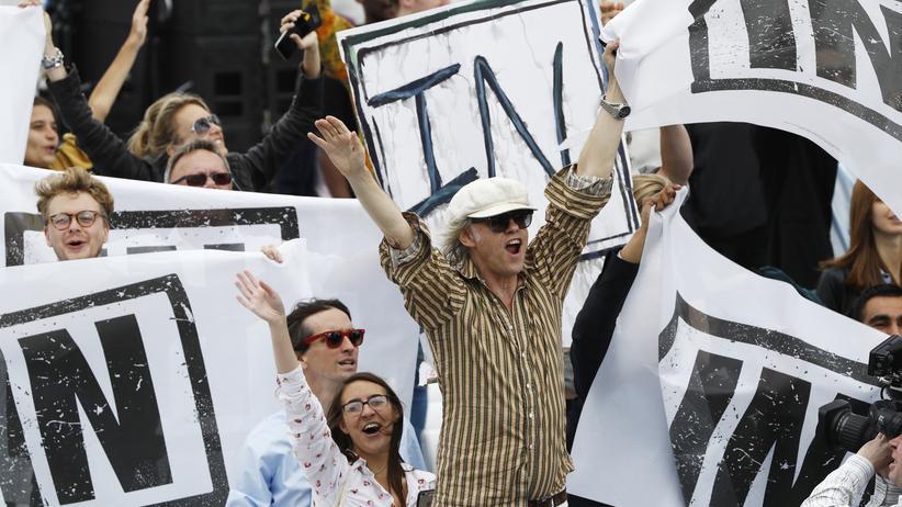 Brexit: Der irische Singer-Songwriter und Aktivist Bob Geldof wirbt auf der Themse in London für den Verbleib in der EU.