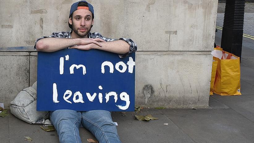 Brexit: Mehr als eine Million Briten wollen nochmal abstimmen