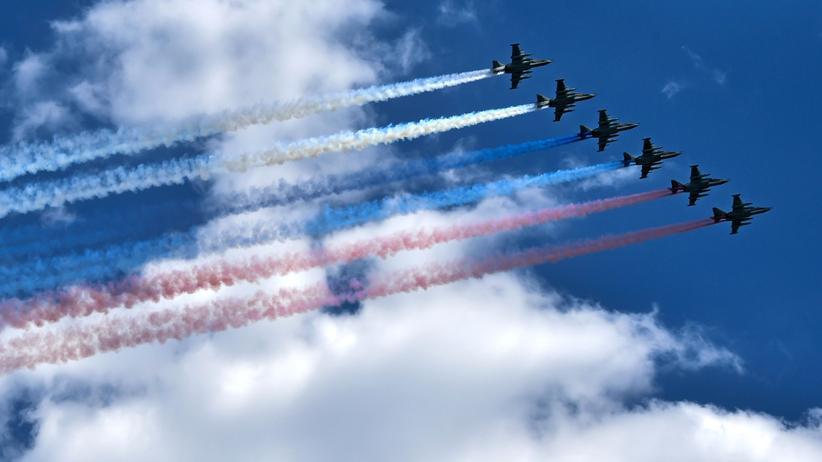 Anakonda-Manöver: Russische Luftwaffe während einer Militärparade