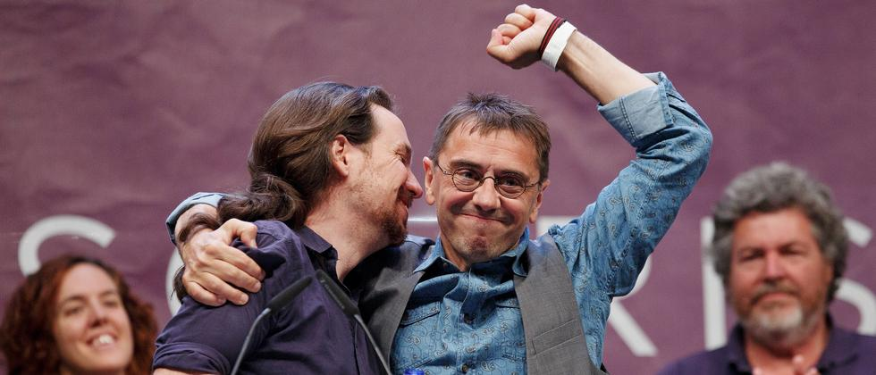 Podemos-Gründer Juan Carlos Monedero mit dem aktuellen Chef der Linkspartei, Pablo Iglesias