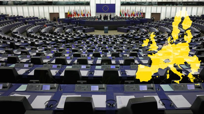 EU-Politik: STRASBOURG, FRANCE - MAY 12: A general view of the inside the European Parliament on May 12, 2016 in Strasbourg, France. The United Kingdom will hold a referendum on June 23, 2016 to decide whether or not to remain a member of the European Union (EU), an economic and political partnership involving 28 European countries, which allows members to trade together in a single market and provide free movement across it's borders for cirtizens. (Photo by Christopher Furlong/Getty Images)