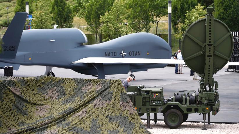 Nato und Russland: Eine unbemannte Nato-Drohne