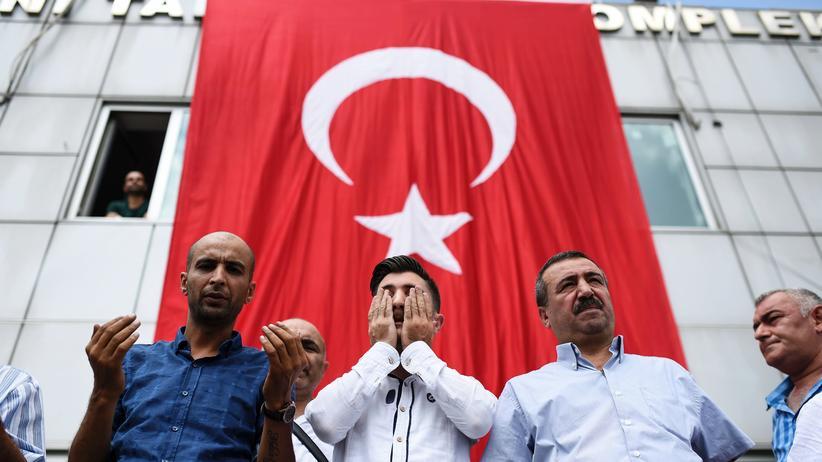 Türkei: Haftbefehle gegen mutmaßliche Hintermänner