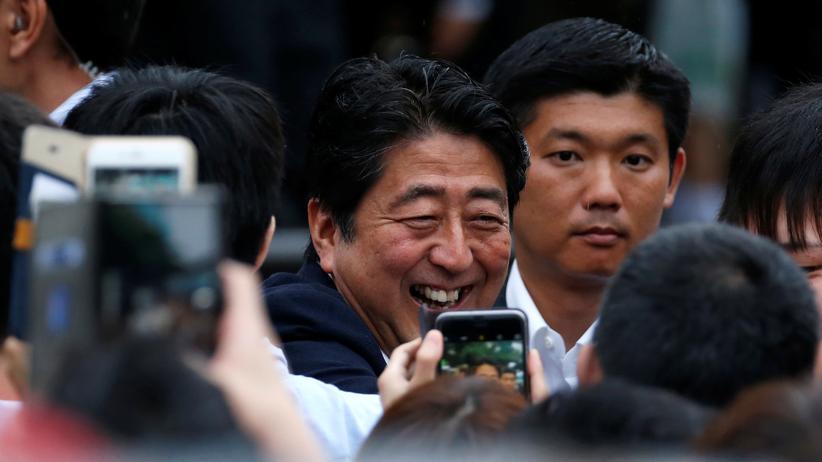 Japan: Abe gewinnt die Mehrheit im Parlament
