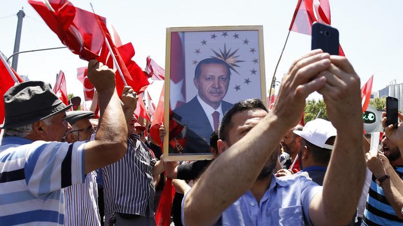 Recep Tayyip Erdoğan: Nach dem Putsch bekommt Präsident Erdoğan besonders viel Unterstützung.