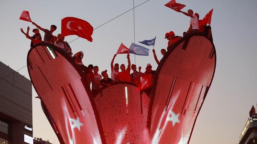 Türkei: Unionspolitiker stellen EU-Beitrittsverhandlungen infrage