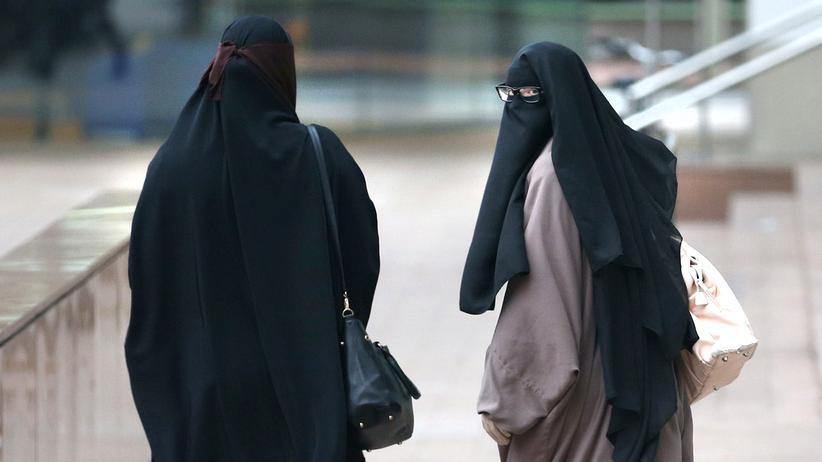 Burka tragende Frauen