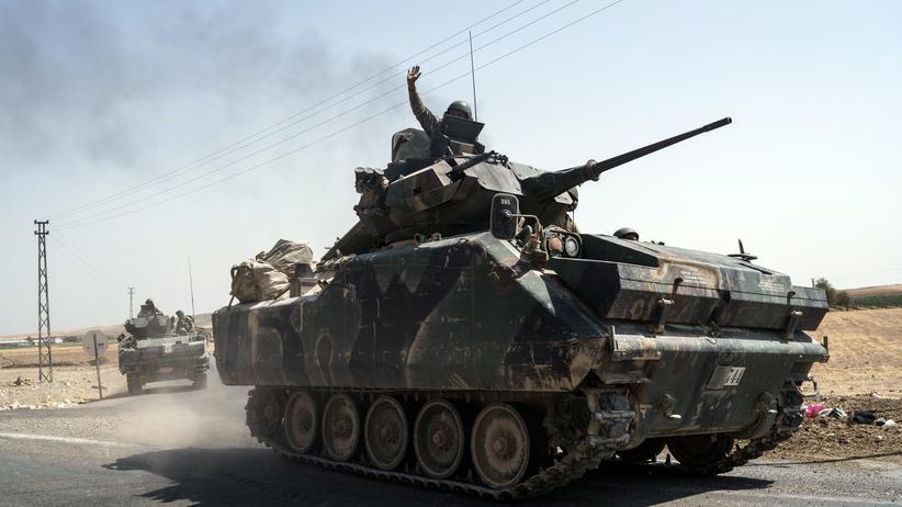 Syrien: Türkischer Soldat stirbt bei Bodenoffensive
