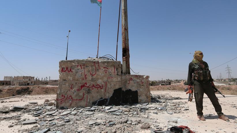 Euphrat-Einsatz: Ein kurdischer Kämpfer in al-Hasaka im Nordosten Syriens