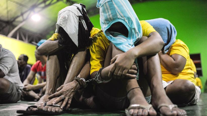Philippinen: Inhaftierte Drogenabhängige und -verkäufer auf den Philippinen