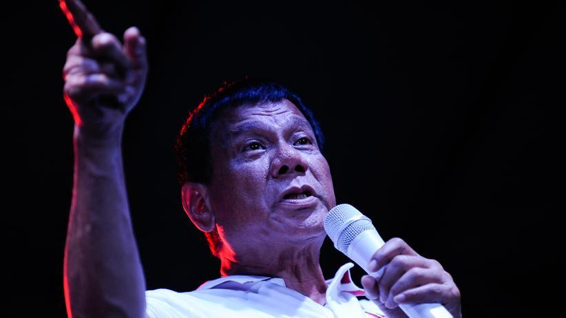 Rodrigo Duterte: Schon im Wahlkampf versprach der amtierende philippinische Präsident Rodrigo Duterte, einen gnadenlosen Kampf gegen die Kriminalität zu führen. (Archiv)