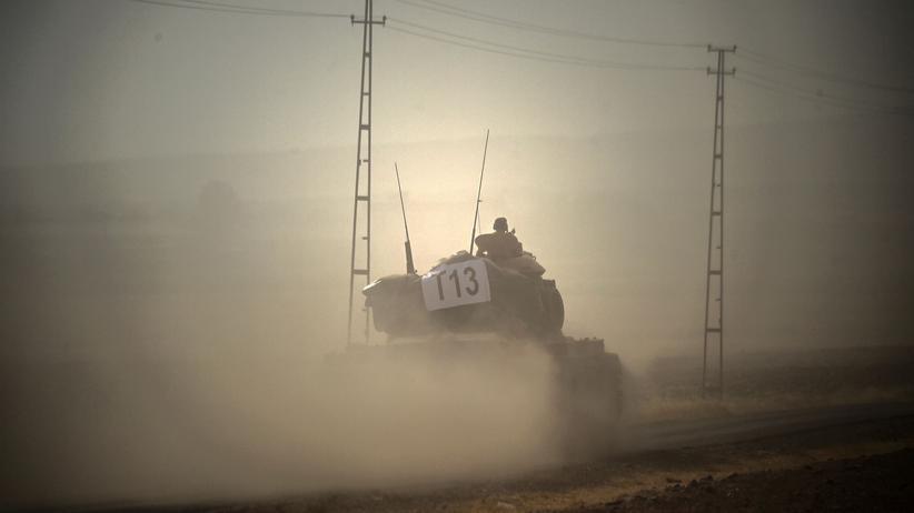 Syrien: Türkische Panzer überqueren Grenze zu Syrien