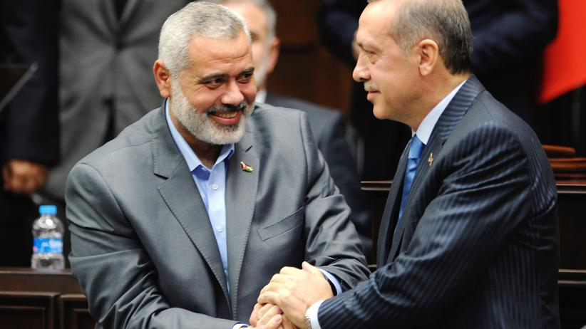 Terrorismus: Muslimische Brüder: Präsident Erdoğan und der Hamas-Führer Ismail Hanija (Ankara, 2012)