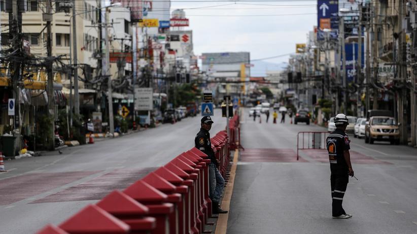 Thailand: Rettungskräfte nach dem Anschlag in Hua Hin, Thailand