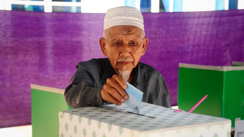 Referendum in Thailand: Demokratie in der Warteschleife