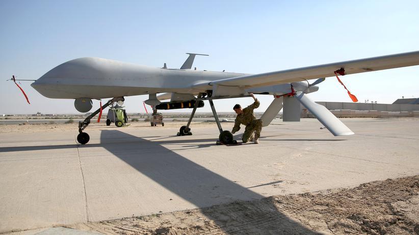 Terrorbekämpfung:  Eine Kampfdrohne vom Typ MQ-1B Predator an einem geheimen US-Militärstützpunkt im Persischen Golf