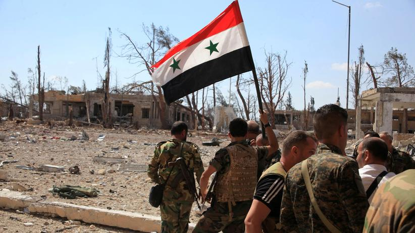Krieg in Syrien: Regimetreue syrische Soldaten auf einem von den Rebellen zurückeroberten Militärgelände im Südwesten von Aleppo (Archivbild vom 5. September 2016)