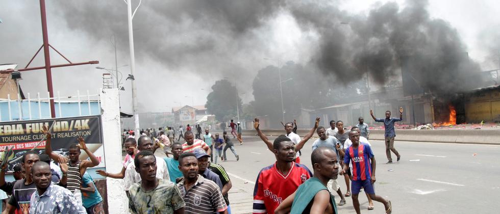 Die Opposition wirft Präsident Kabila vor, eine verfassungswidrige dritte Amtszeit anzustreben.