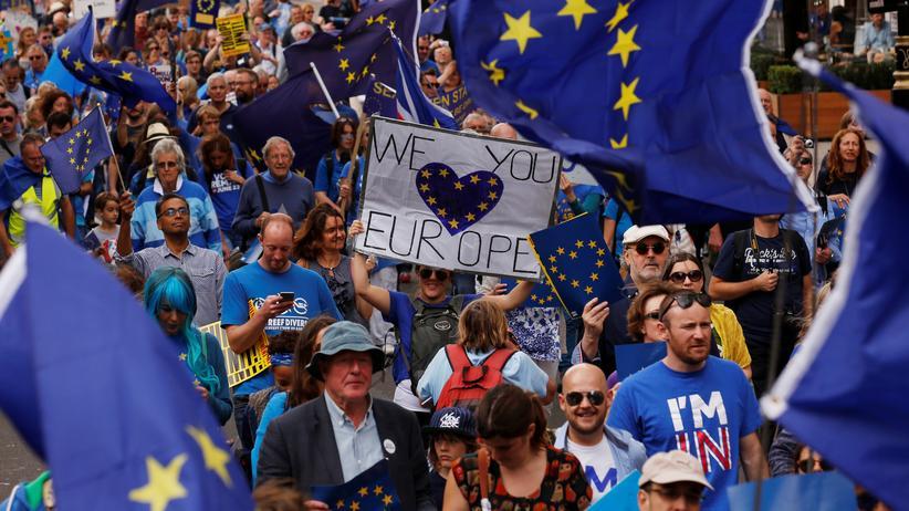 Brexit: Tausende Briten demonstrieren gegen EU-Austritt