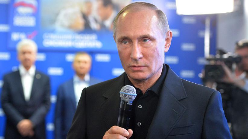 Duma-Wahl in Russland: Der russische Präsident Wladimir Putin in der Wahlkampfzentrale der Regierungspartei Einiges Russland