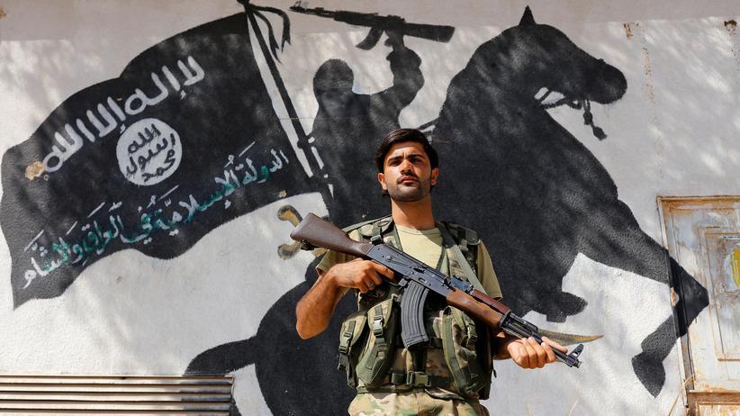 Syrien: Ein Mitglied der von der Türkei unterstüzten Freien Syrischen Armee in Dscharablus