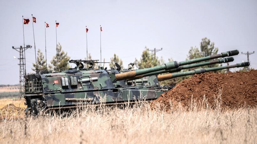 Militäroffensive Schutzschild Euphrat: Türkische Panzer nahe der südanatolischen Stadt Karkamış unweit der Grenze zu Syrien